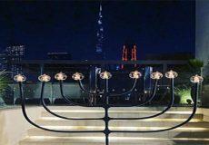 """برپایی جشن یهودی در برج خلیفه در امارات/ """"دوست عزیز اسرائیل"""" عید حانوکا را در ریاض جشن گرفت"""