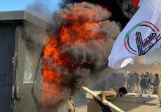حشد شعبی به محاصره پادگانهای آمریکایی تهدید کرد/ حزبالله عراق: حمله به سفارت درس اول است