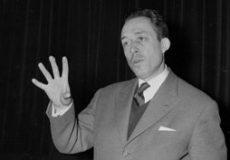 آلبر کامو؛ آدمی حساس در میان «بیگانه» و «طاعون»