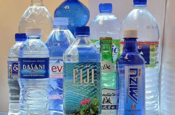 پای آب آشامیدنی قاچاق به کشور باز شد/ استفاده از آب معدنی خارجی برای مهمانیهای لوکس!